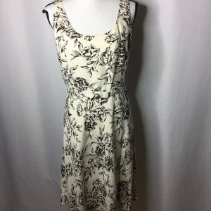 ANN TAYLOR Factory Store Cream Sleeveless Floral